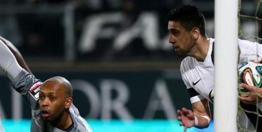 Vitória impõe empate ao FC Porto