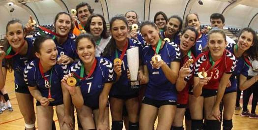 AAUM de ouro em Voleibol feminino e Futebol de 11