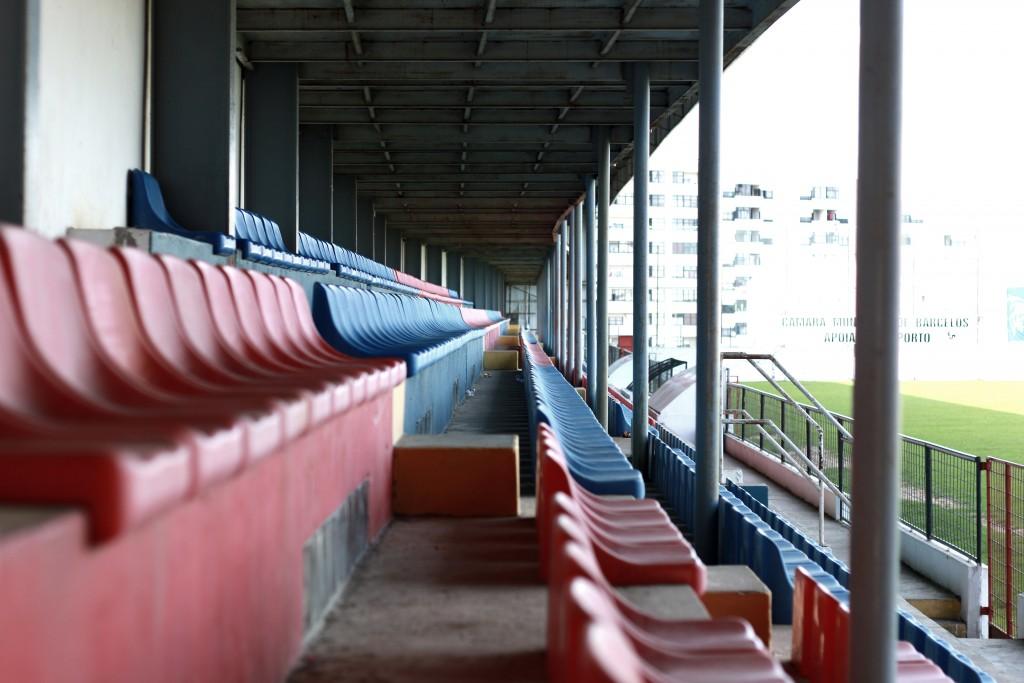 Estádio Adelino Ribeiro Novo