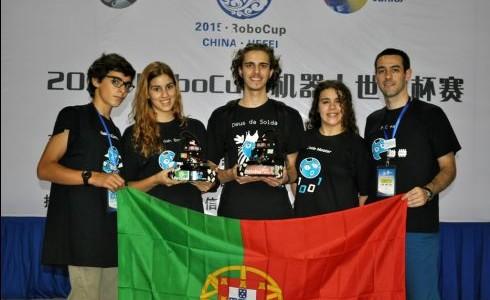 Equipa da UMinho conquista 1º lugar na RoboCup'2015