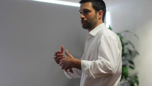 Estudantes de Comunicação discutem União Europeia com eurodeputado João Ferreira
