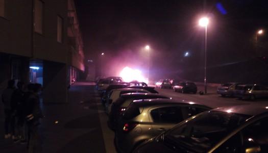 Carro arde perto da Universidade do Minho