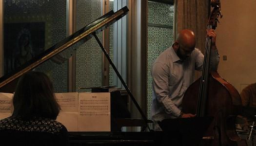 RUM com Jazz traz Eric Revis Trio ao Museu Nogueira da Silva