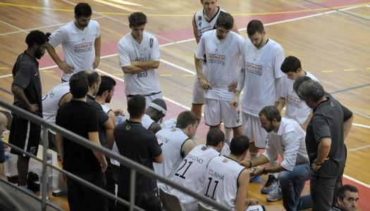 Vitória SC perde na Madeira