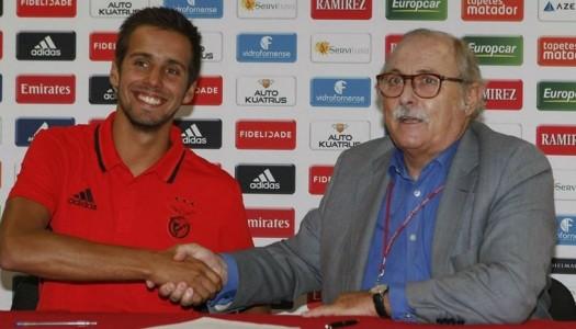 Rui Bragança assina pelo SL Benfica