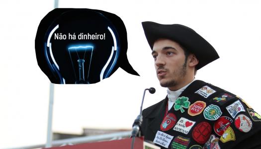 Bruno Alcaide decidiu apagar a lâmpada porque os cinco milhões de euros da AAUM não chegam para a luz