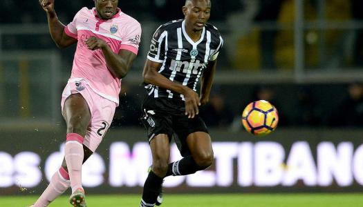 Vitória SC cede empate ao cair do pano