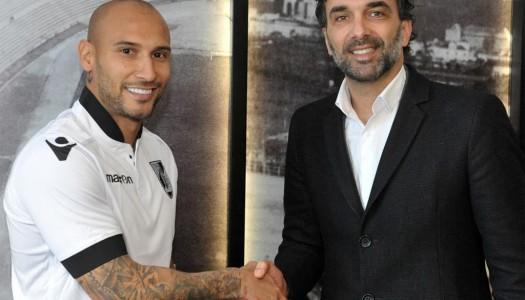 Vitória SC: Rafael Martins chega para render Soares