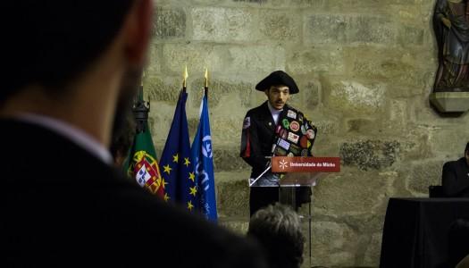 """Bruno Alcaide toma posse como presidente da AAUM na """"luta contra os condicionalismos"""""""