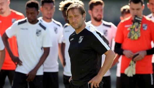 Pedro Martins deixa comando técnico do Vitória SC