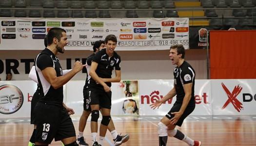 Vitória SC alcança primeira vitória