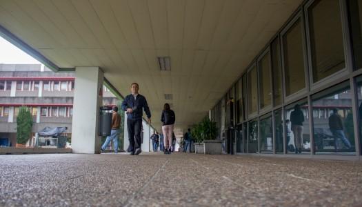 Quase 30% dos alunos abandonam o curso antes de o terminar