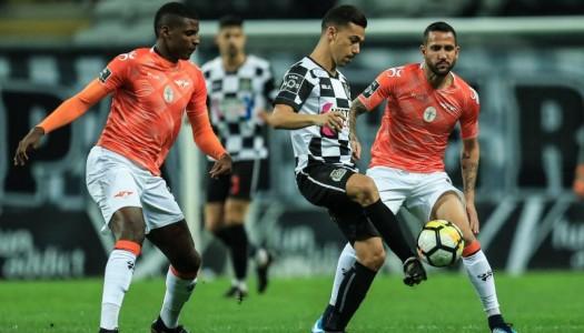 Moreirense perde no Bessa com golo de Carraça