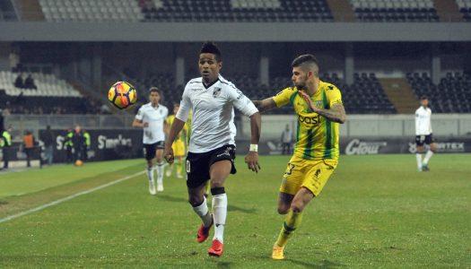 Vitória SC volta a perder