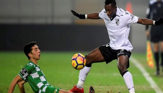 """Moreirense vence dérbi minhoto e sai da """"zona vermelha"""""""