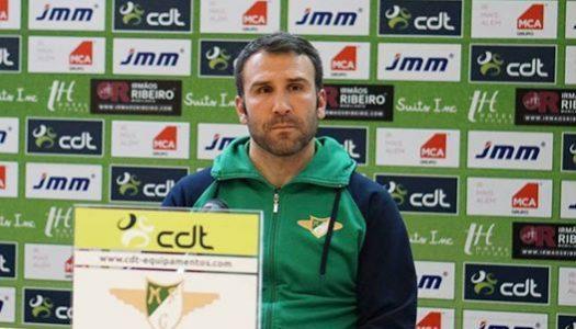 Sérgio Vieira abandona comando técnico do Moreirense