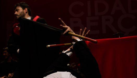 O vermelho é a essência da tradição e da boémia