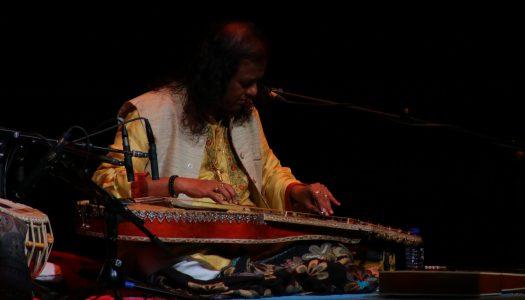 Debashish Bhattacharya estreia a nova tour em Braga