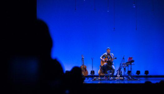 Asaf Avidan em concerto pelos corações partidos