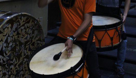 A percussão popular na boémia da juventude