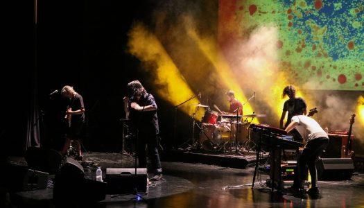 Três Tristes Tigres revisitam canções do seu passado