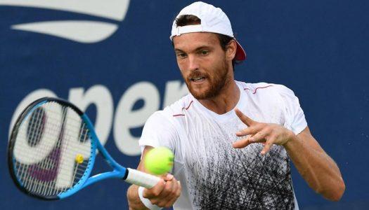 João Sousa afastado na primeira ronda do US Open