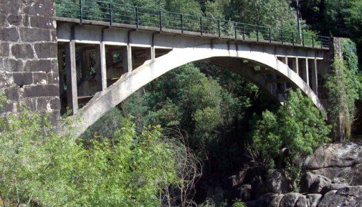 Ponte entre Amares e Vieira do Minho cortada ao trânsito