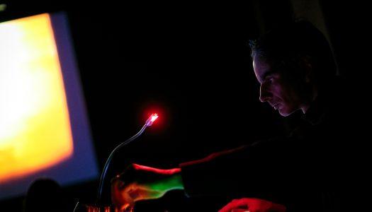Rafael Toral mergulha num campo de som