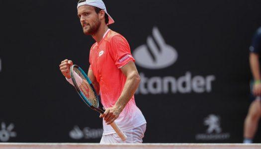 João Sousa avança no Rio Open