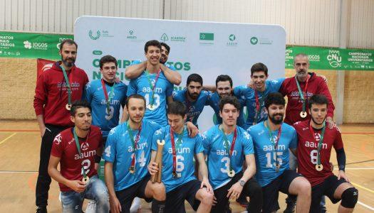 Voleibol masculino. AAUM sagra-se campeã nacional universitária