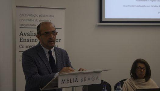 """João Sobrinho Teixeira: A avaliação no ensino superior """"exclui e desanima"""" os estudantes."""
