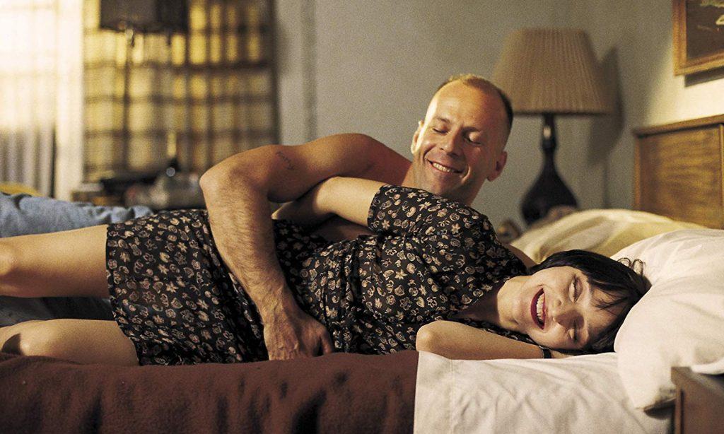 Bruce Willis e Maria de Medeiros em Pulp Fiction