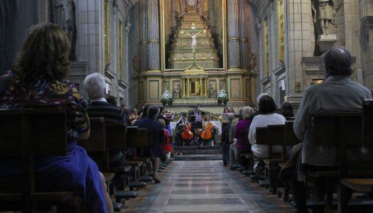 Instrumentos de cordas dão música na Basílica dos Congregados