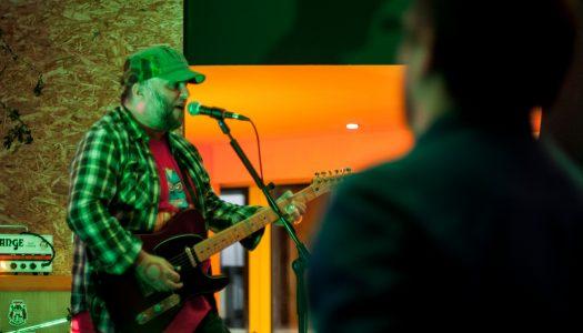 Fast Eddie Nelson: Rock n'Roll no RUM by Mavy