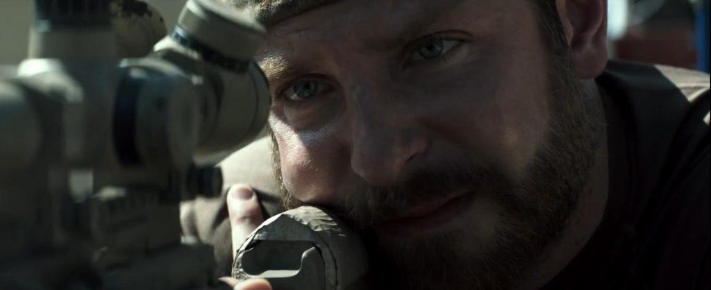 Bradley Cooper em Sniper Americano