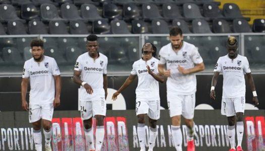 Vitória SC sai por cima em duelo de Vitórias