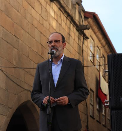 Reitor Rui Vieira de Castro (estudantes afegãos)