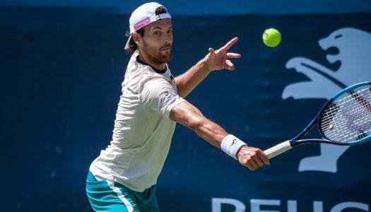João Sousa lesiona-se e desiste do torneio ATP 250 de Antuérpia