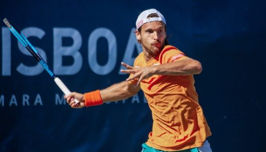 João Sousa cai na ronda inaugural de Roland-Garros