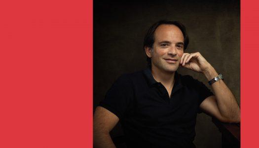 #Perfil | André Sardet: mais do que um cantor romântico