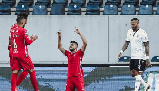 Gil Vicente vence dérbi minhoto cheio de golos frente ao Vitória SC