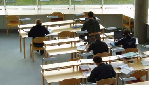 Governo cria 500 vagas no Ensino Superior para alunos desfavorecidos