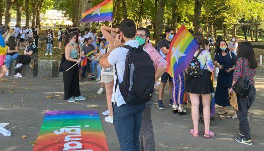 Manifestação LGBT+ saiu à rua em Braga