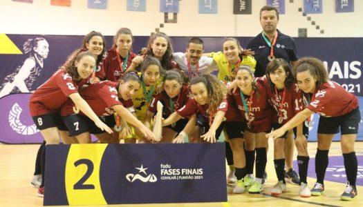 AAUM vence medalha de prata no futsal feminino e triunfa na estreia do masculino
