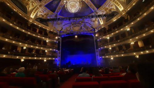 Cuca Roseta realiza concerto no Theatro Circo