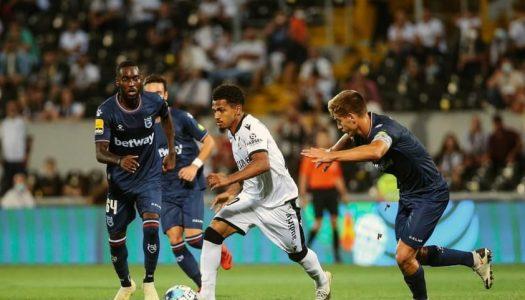 Vitória SC reduzido a nove conquista empate frente à Belenenses SAD