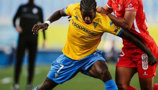 Gil Vicente FC divide pontos na visita ao GD Estoril Praia
